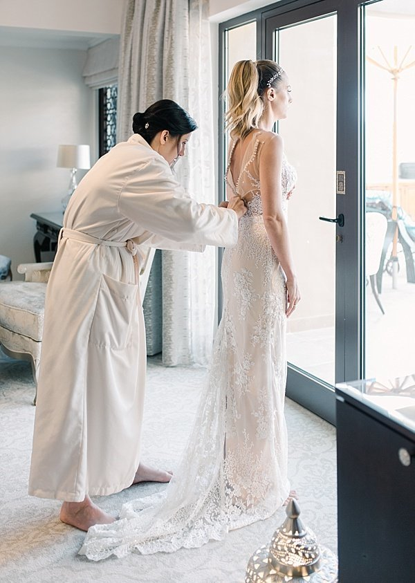 MS_Photography_Getting dressed dubai wedding 3