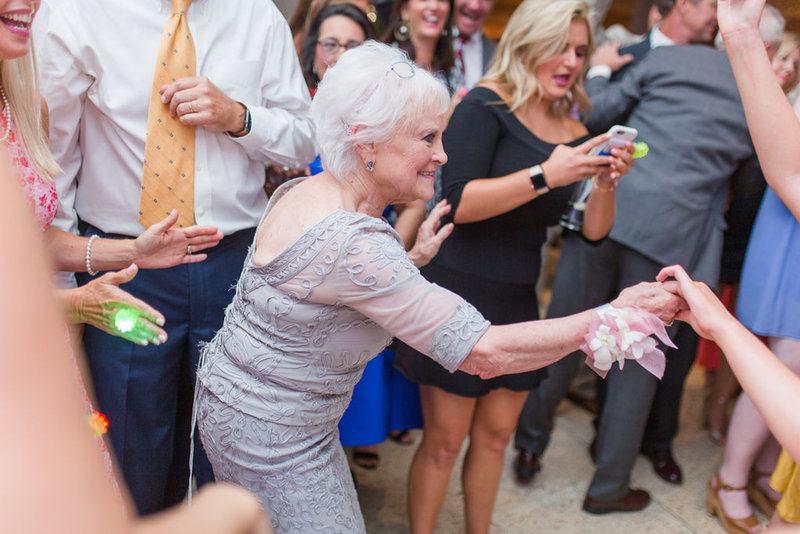 pink_and_navy_boudreauxs_baton_rouge_wedding-0025