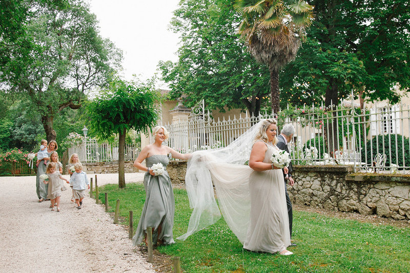 sarah hannam chateau de la lartigolle french wedding photographer
