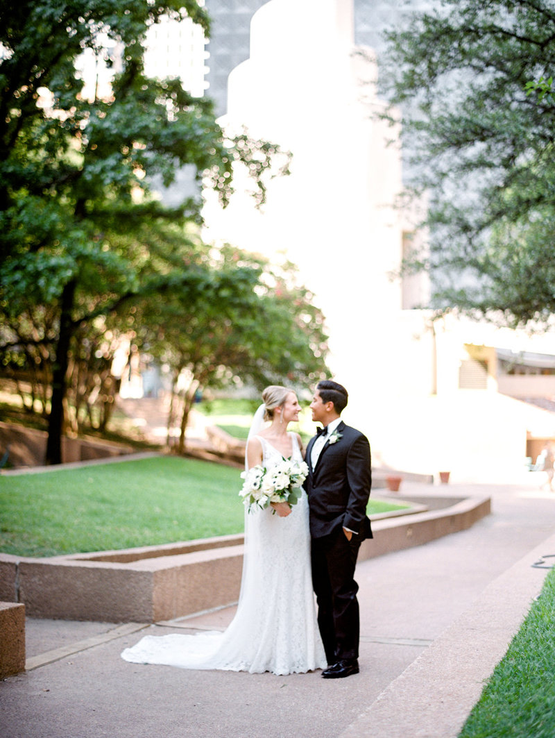 tower_club_dallas_wedding_photographer_bethany_erin-57
