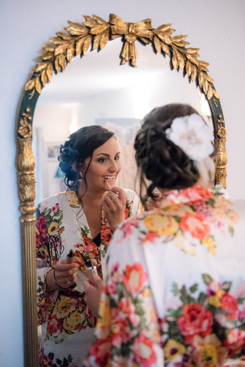 JandDstudio-wedding-gettysburg-bride-gettingready
