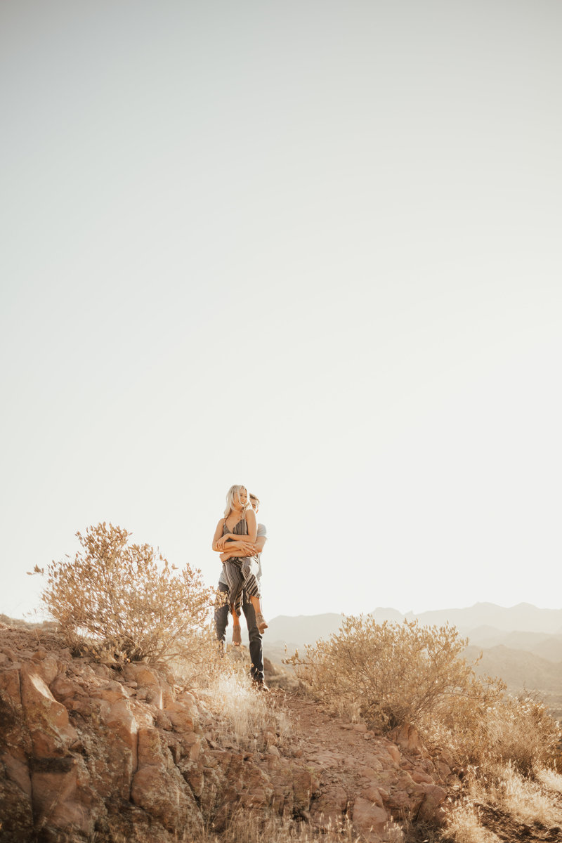 adorable desert photoshoot