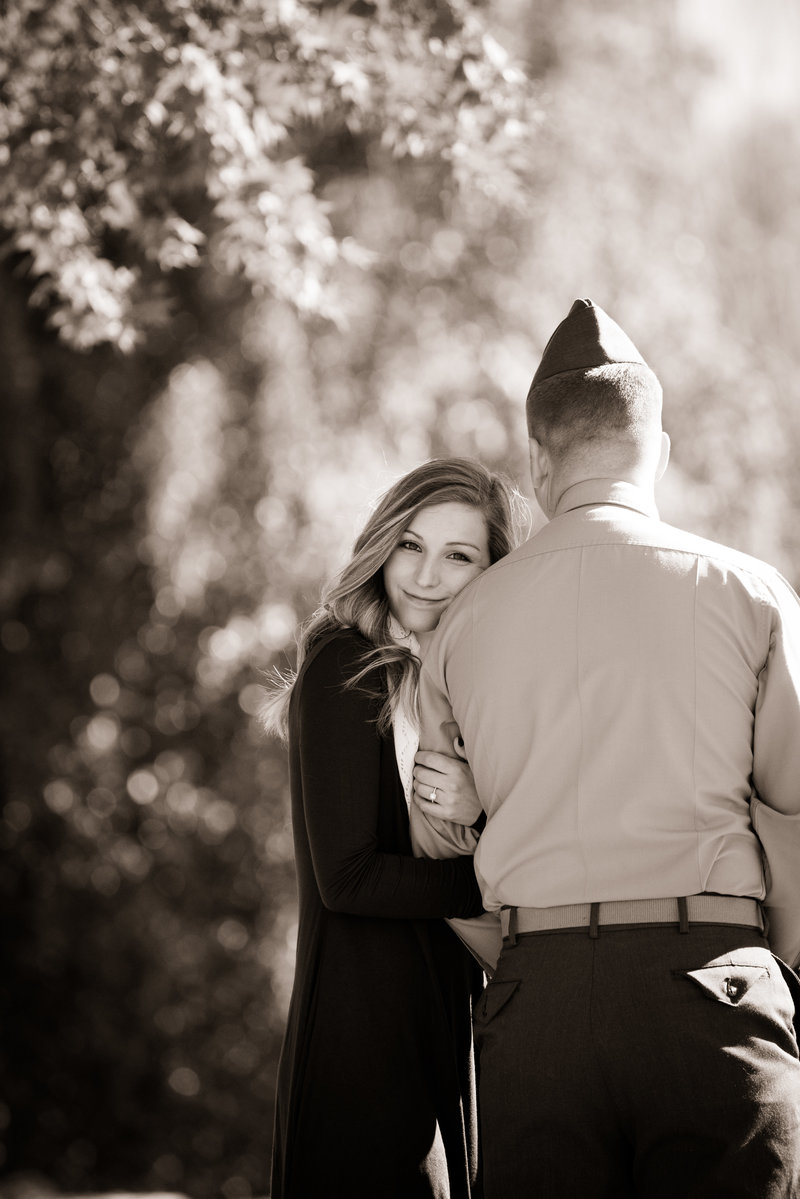 JandDstudio-engagement-rustic-vintage-military-fall (11)