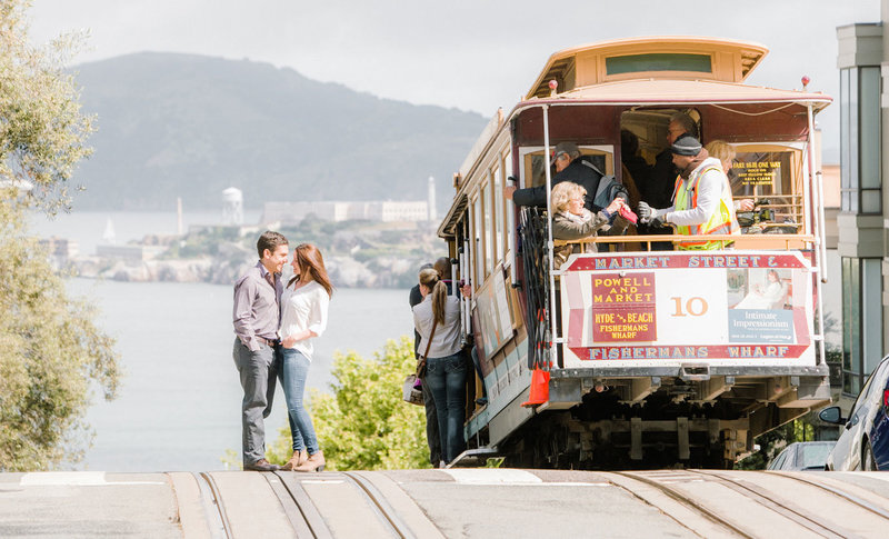 sf-engagement-photos-trolly