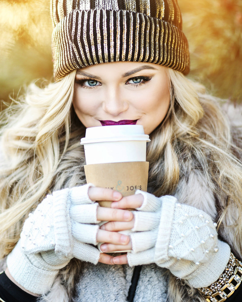 iowa park high school senior girl photo coffee winter outfit