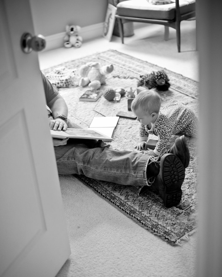 Baby and Father reading books, Lifestyle Family Photography Alexandria VA