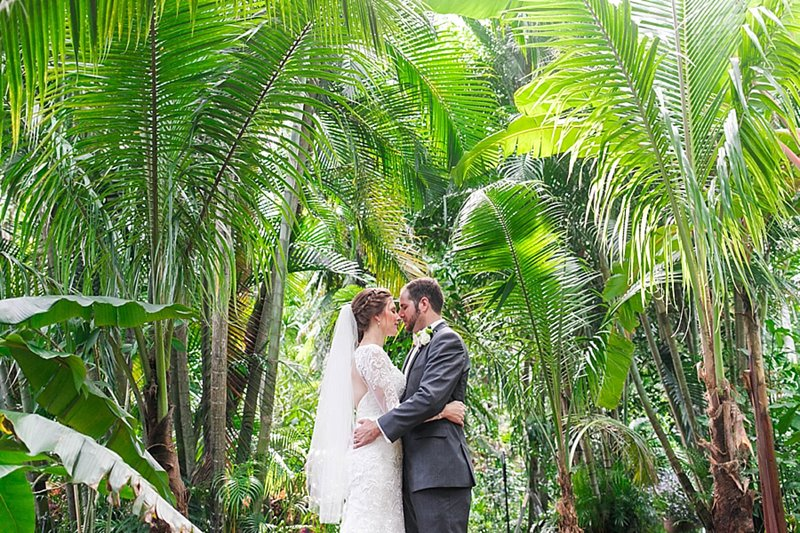 sunken gardens wedding photography bride and groom