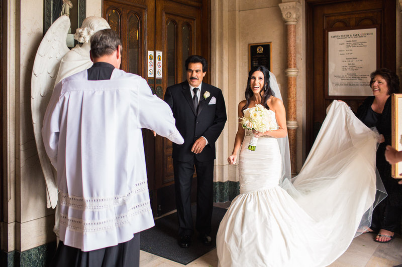 alice-che-photography-san-francisco-wedding-church-priest-and-bride