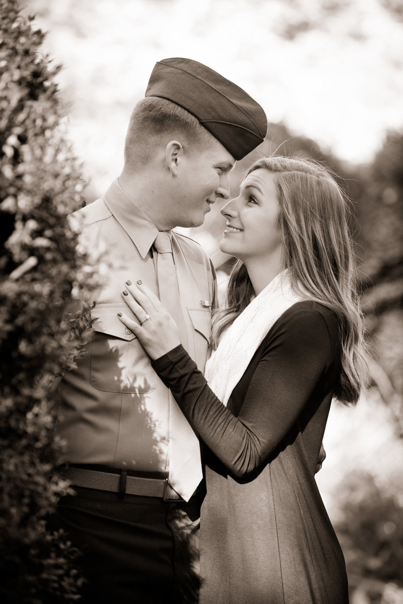 JandDstudio-engagement-rustic-vintage-military-fall (9)