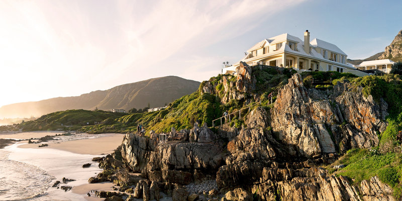twitter-slider-clifftop-seas-birkenhead-house-hermanus