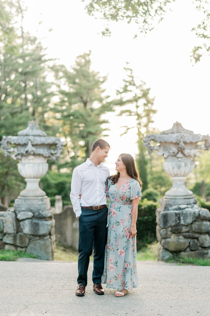 Crane_Estate_Engagement_Portraits_in_Boston_by_Wedding_Photographer_Lauren_R_Swann__0085-photo