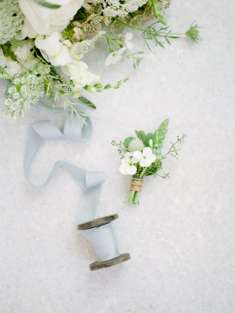 fayette-missouri-blue-bell-farm-wedding-photos-water-015
