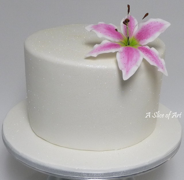 lily sparkle cake