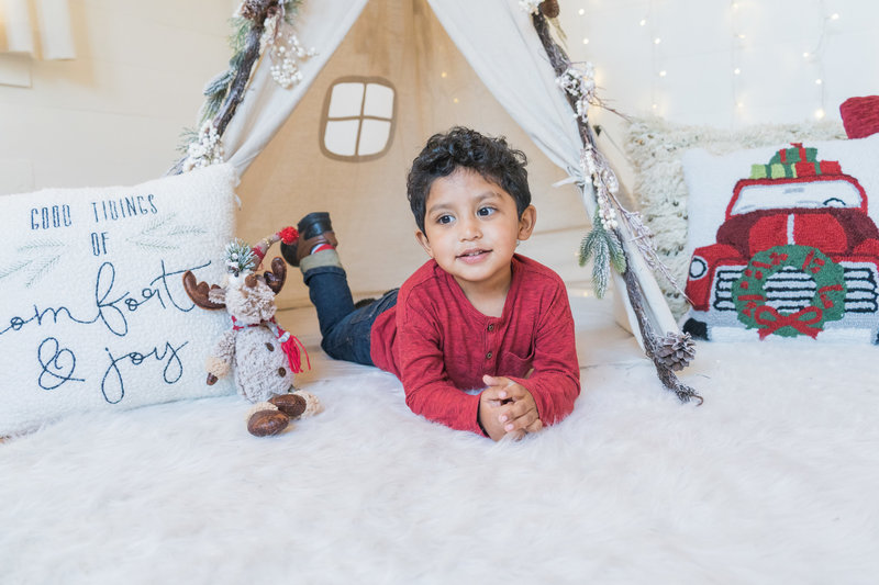 Saucedo_christmas_boho_mini_session_dallas_family_photographer_lynnet_perez_0037