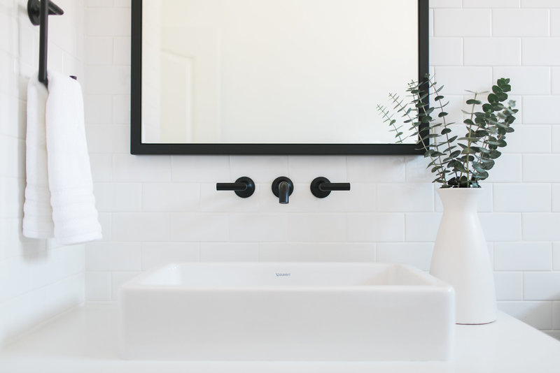 White Subway Tile Bathroom | Tucson Wedding Photographer | West End Photography