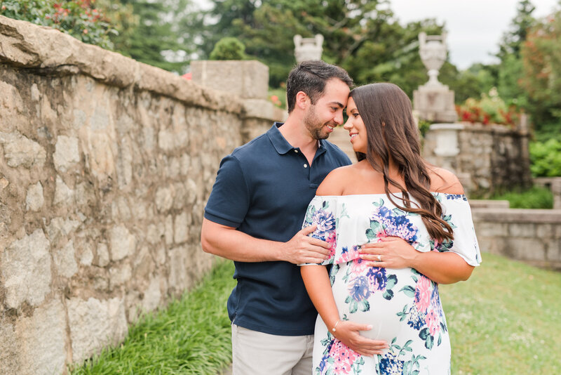 Richmond Maymont park spring rose garden maternity photography -3