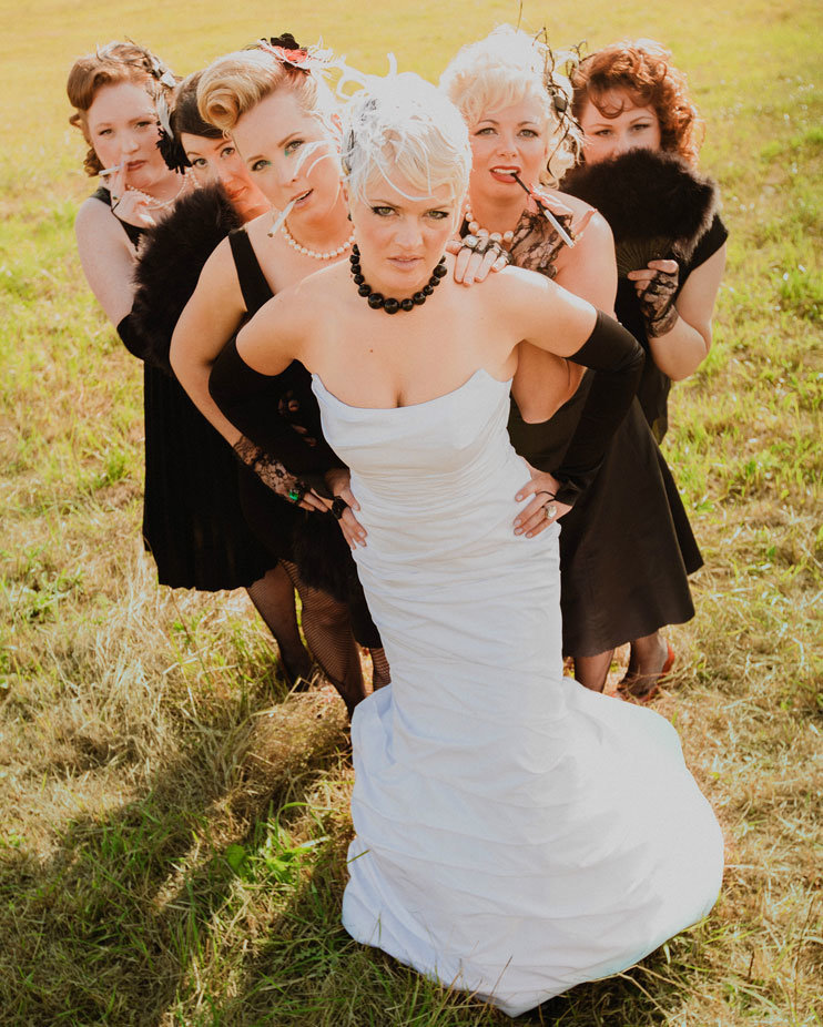 vintage-bridal-party-wedding-photos