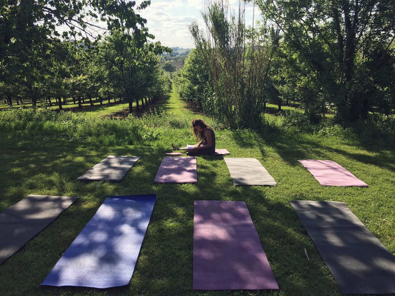Yoga-retreats-pont-de-chambon