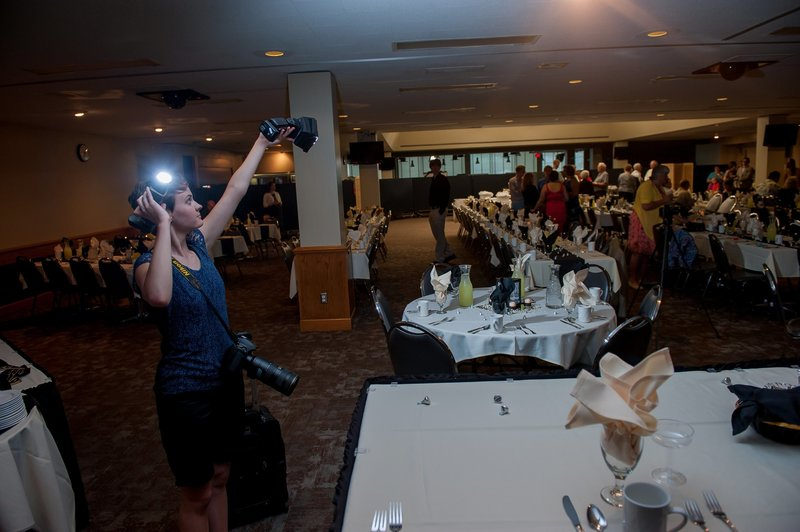 Fargo Moorhead Wedding Photographer Kris Kandel Behind the scenes (6)