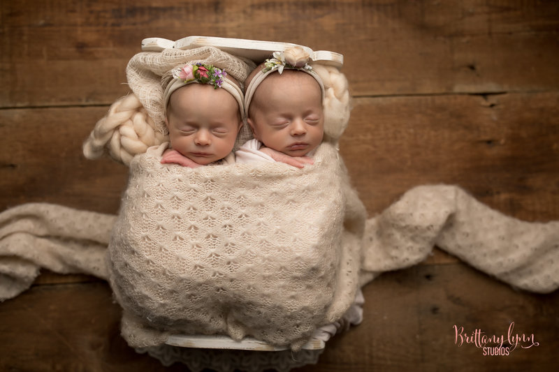 twin photography newborn chicago illinois (1 of 1)