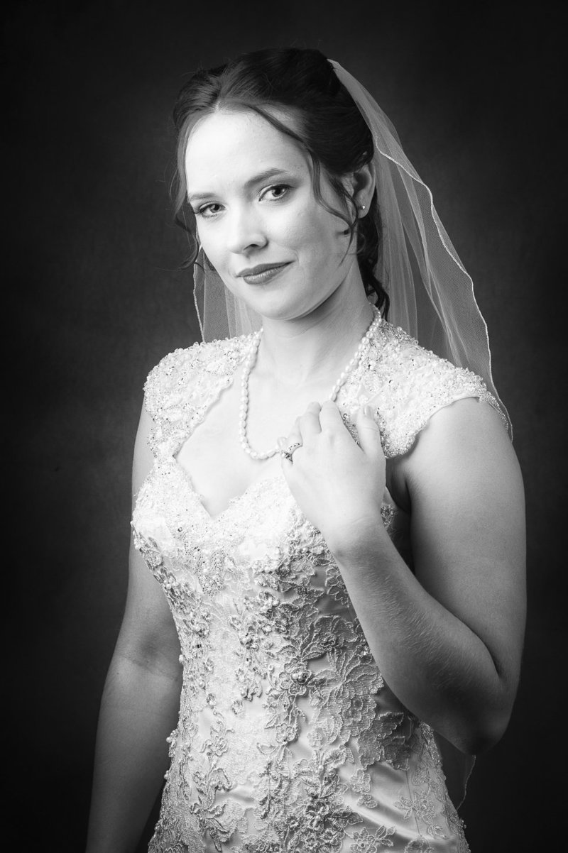 Bride portrait at Sunriver Resort by Pete Erickson Photography.