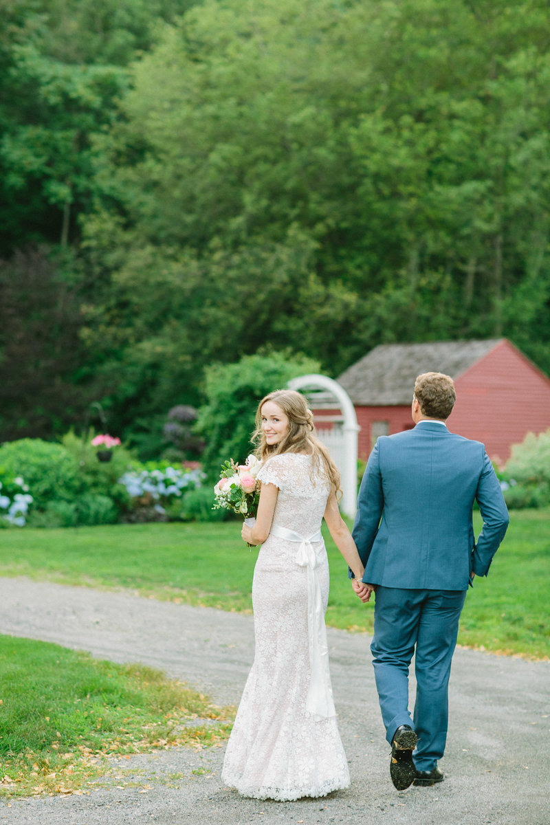 rustic-farm-wedding-holliston-historical-society-01