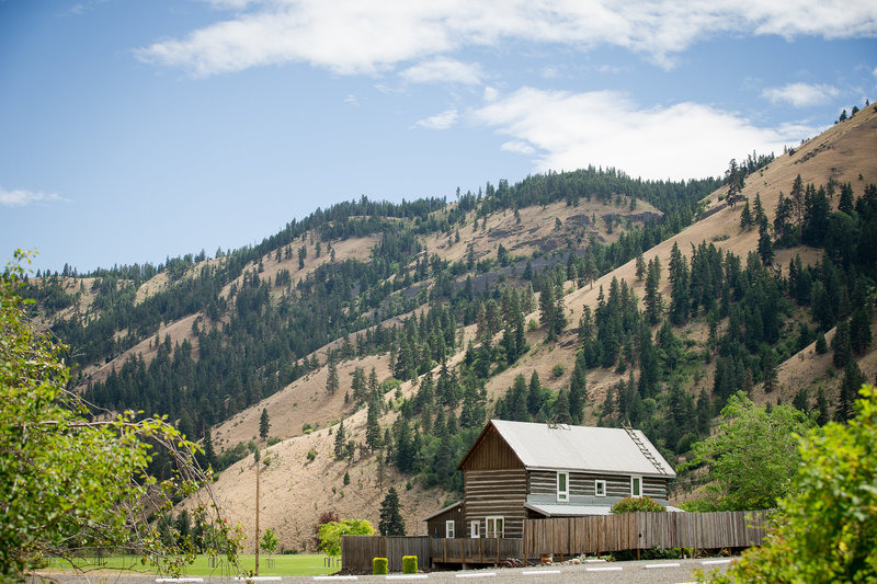 The Perfect Place For Your Rustic Wedding Or Getaway In Mountains 5872 State Route 410 Naches Wa 509 658 2514