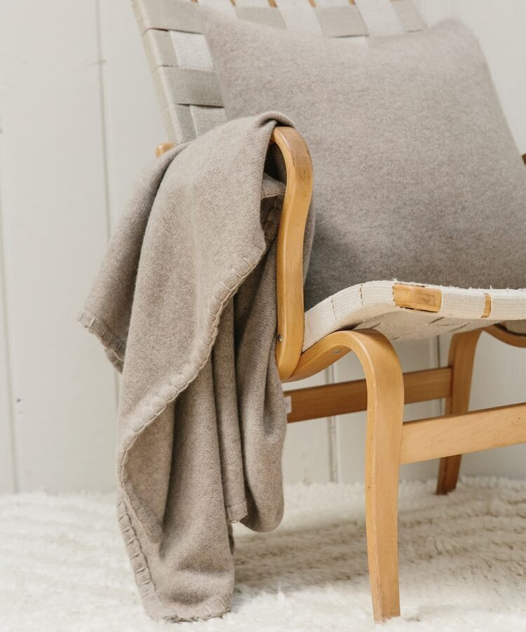Jenni_Kayne-Tahoe_Cashmere_Throw__Stone-3