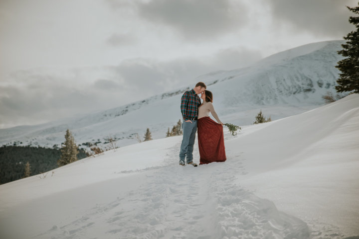 destination elopement photographers, adventure elopement photographers, adventure wedding photographers, colorado elopement photographer, green mountains, alaska wedding photographers, bride holding bouquet