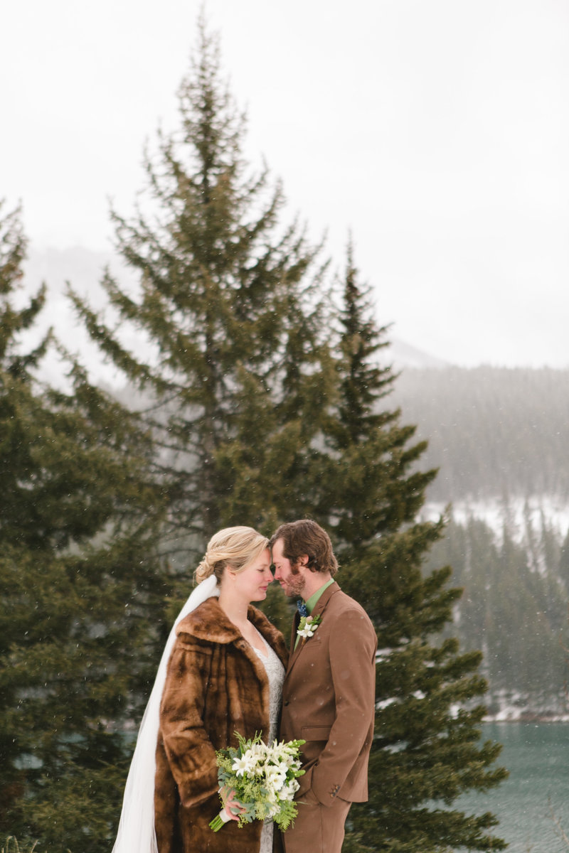banff_winter_saskatchewan_canada_wedding_photographer_002