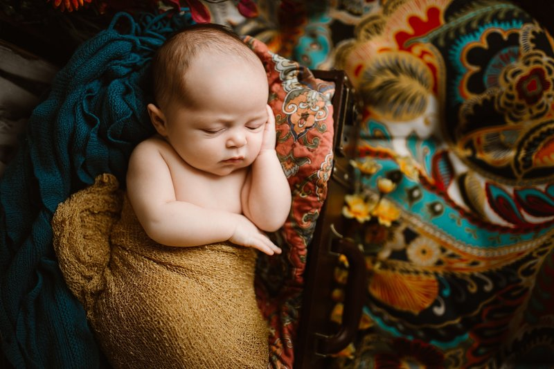 unique pgh newborn photographer_0019