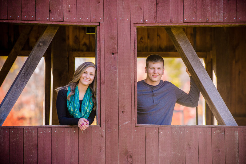 JandDstudio-engagement-rustic-vintage-fall-bridge