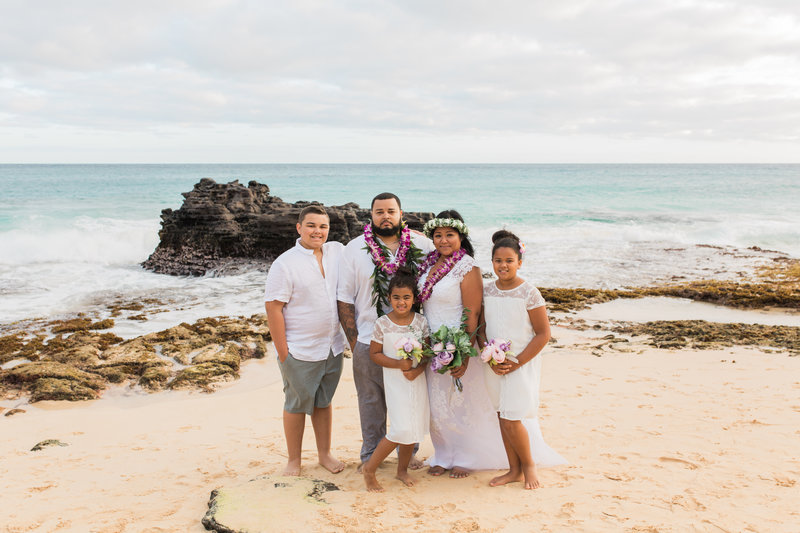 Jennifer G Vow Renewal Session _ Oahu _Vanessa Hicks Photography-1614