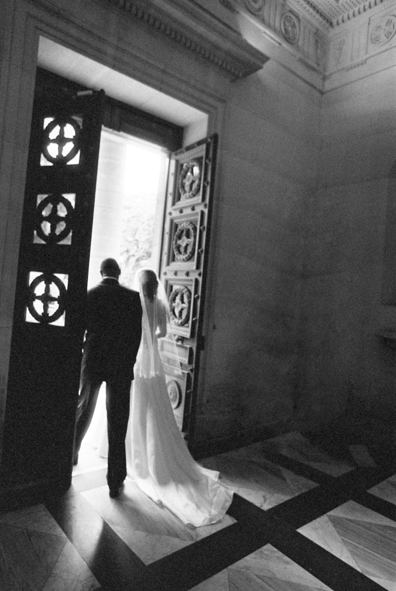 Film-Wedding-Photographer-Paris