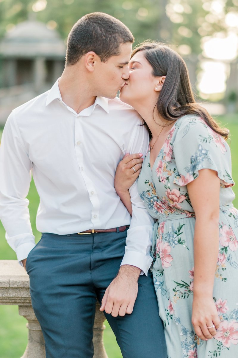 Crane_Estate_Engagement_Portraits_in_Boston_by_Wedding_Photographer_Lauren_R_Swann__0091-photo
