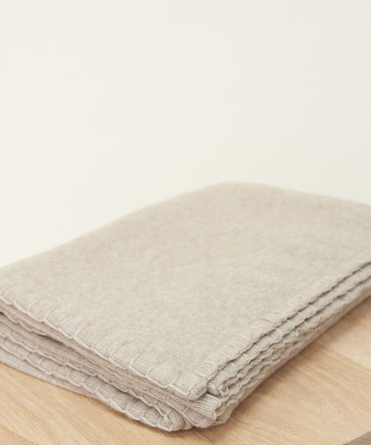 Jenni_Kayne-Tahoe_Cashmere_Throw__Stone-2