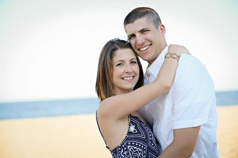 JandDstudio-family-beach-NJ-couple