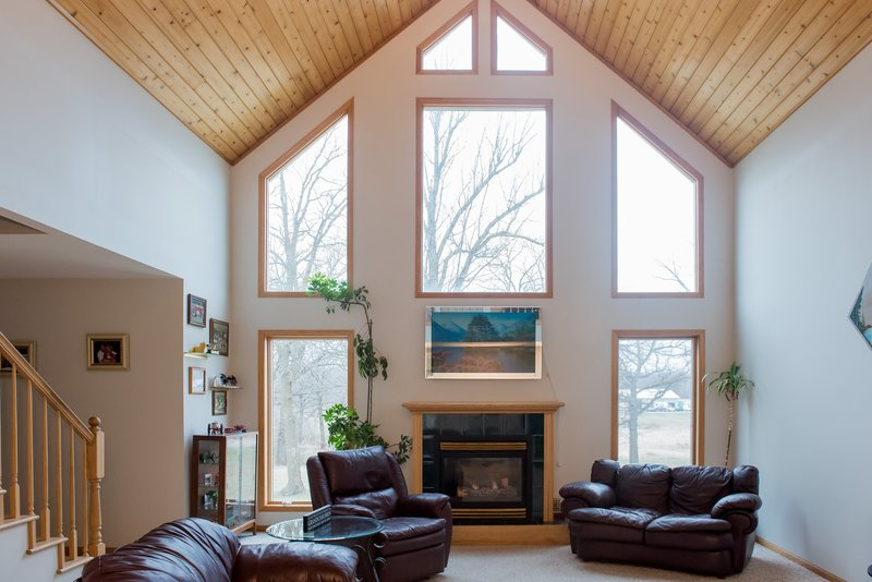 Selling homes online with better photography in the Fargo area. Photographer Kris Kandel