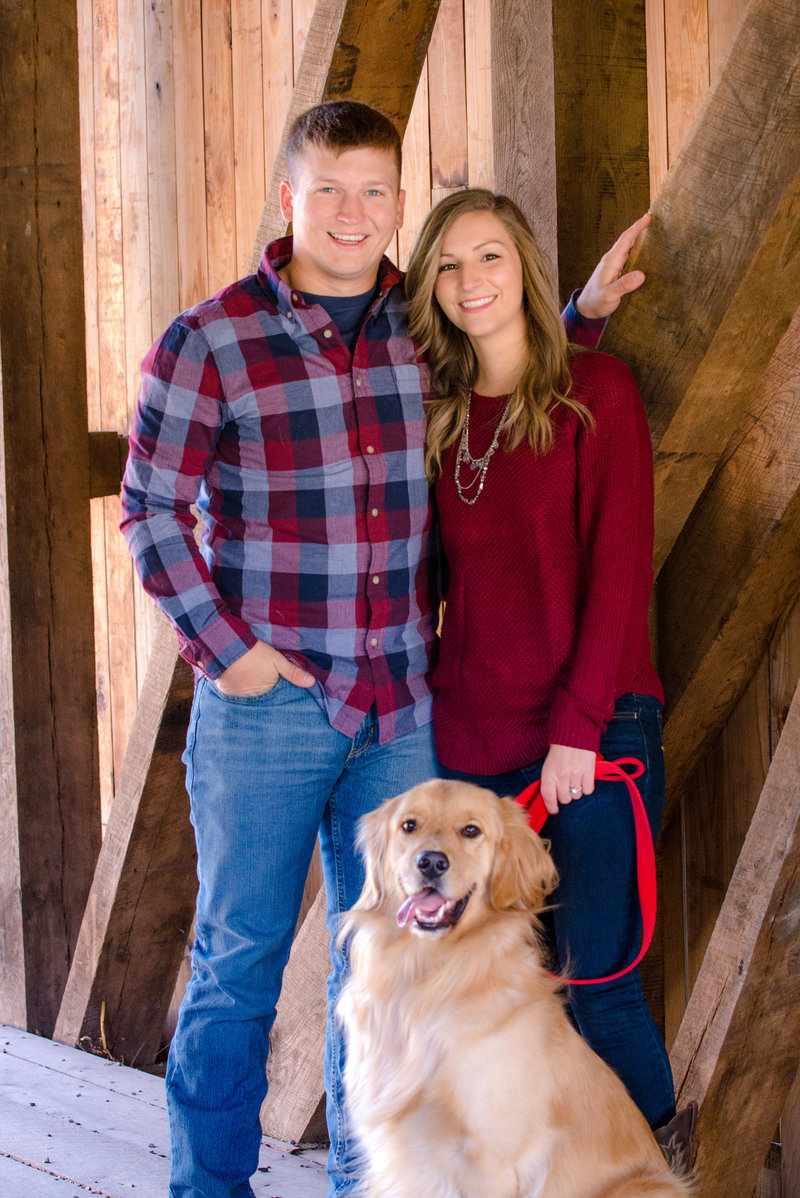 JandDstudio-engagement-rustic-vintage-fall-dog (3)