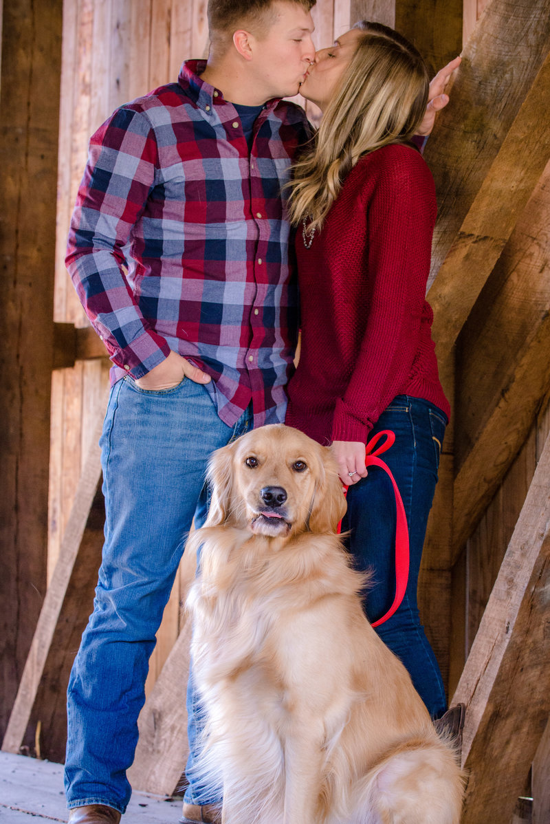 JandDstudio-engagement-rustic-vintage-fall-dog (4)