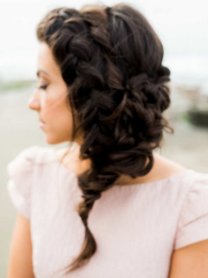 reneehollingsheadphotography_natural_coastal_wedding_inspiration-56