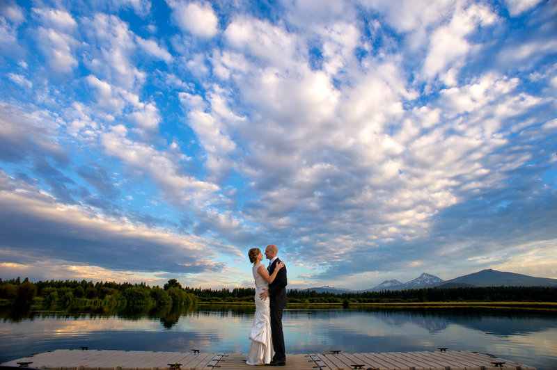 Black Butte Ranch wedding at sunset. Wedding photography by Bend Wedding Photographer Pete Erickson.