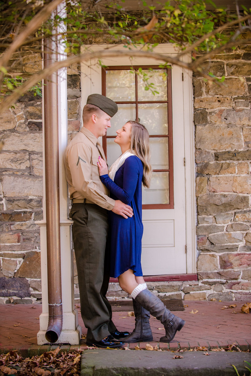 JandDstudio-engagement-rustic-vintage-military-fall (8)
