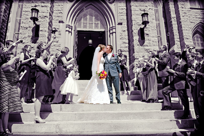 JandDstudio-wedding-photogrphy-york-pa-leaving-kissing-blackandwhite-colorpop-bubbles-cathlic-church