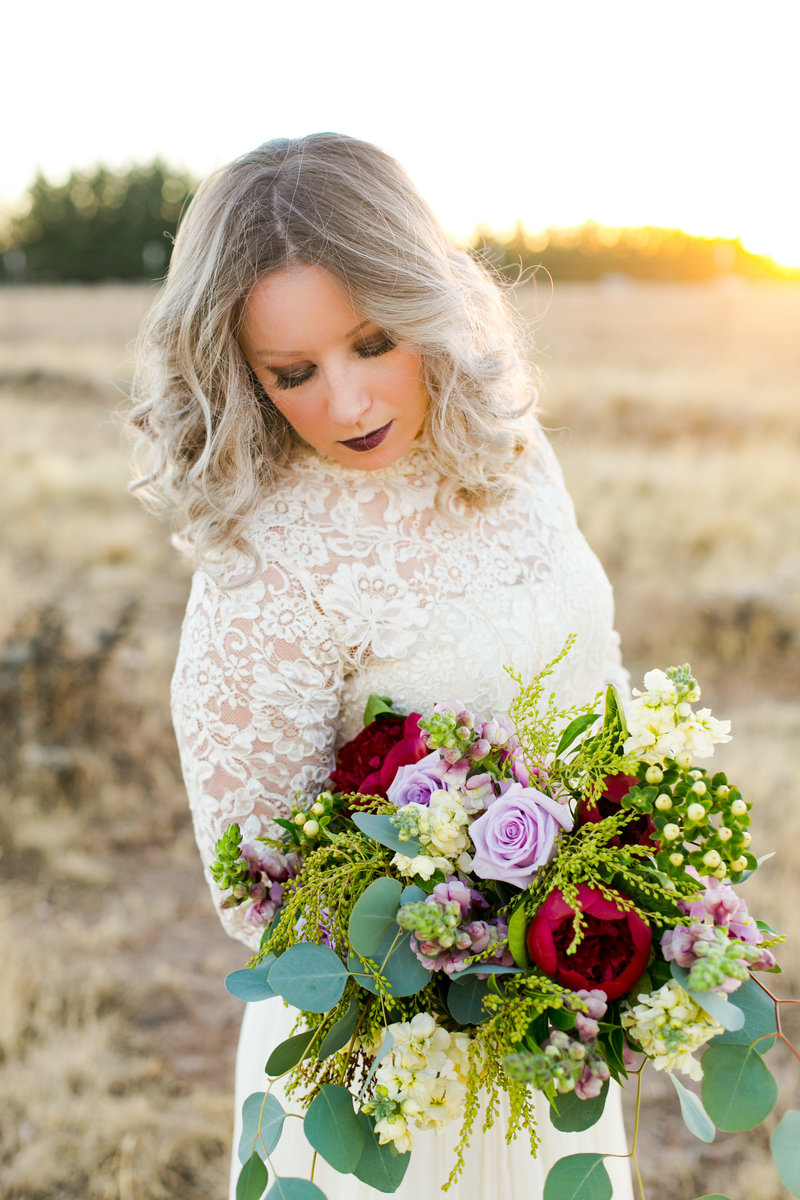 bride in sunset arizona wedding photographer emma lee photography