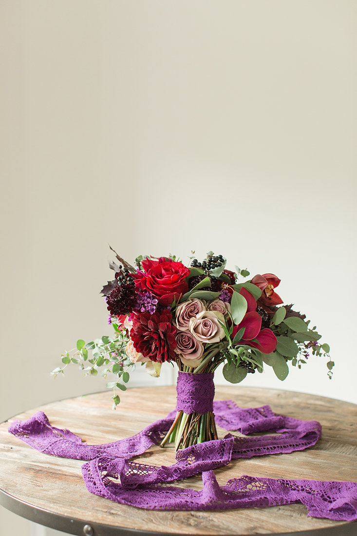 Wedding-Inspiration-Fall-Bouquet-Photo-by-Uniquely-His-Photography03