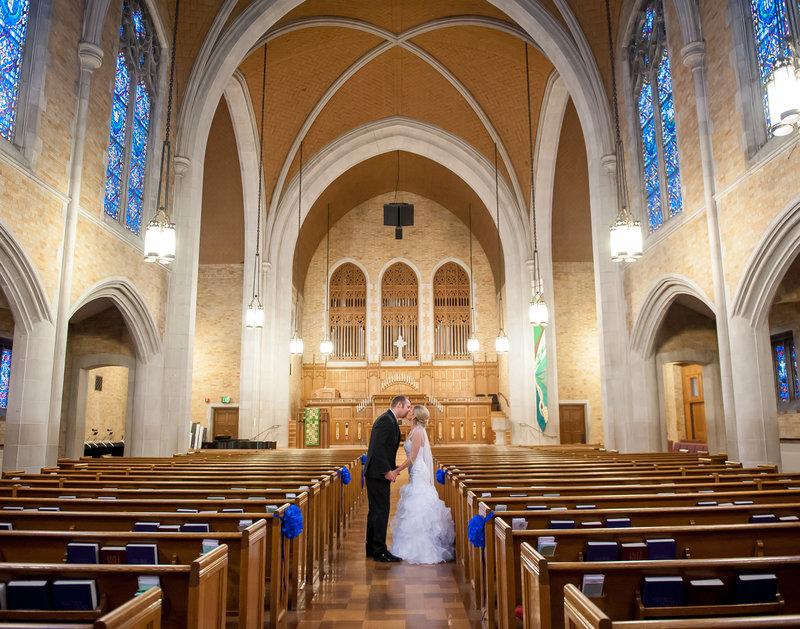 Fargo 1st presbyterian wedding photographed by Kris Kandel wwww.kriskandel.com  pcitrues