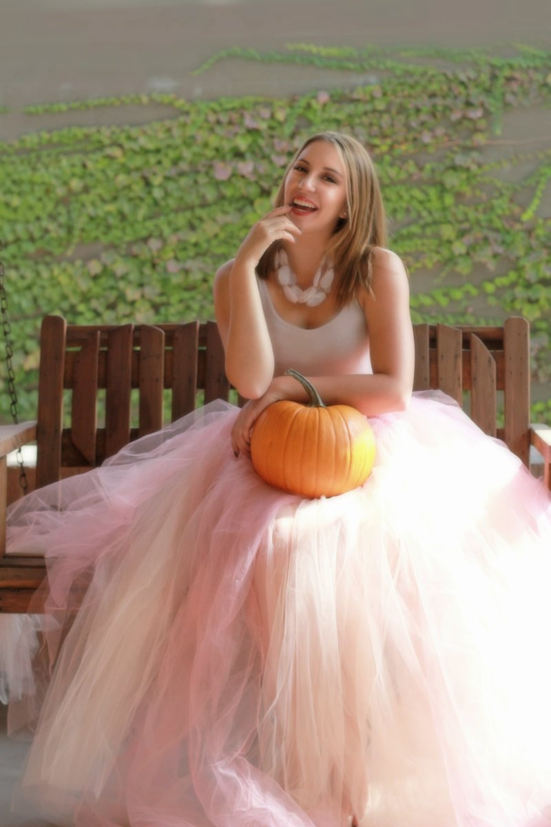 IMG_6045re_ppTaylor Pink Gown Pumpkin Sat Muted
