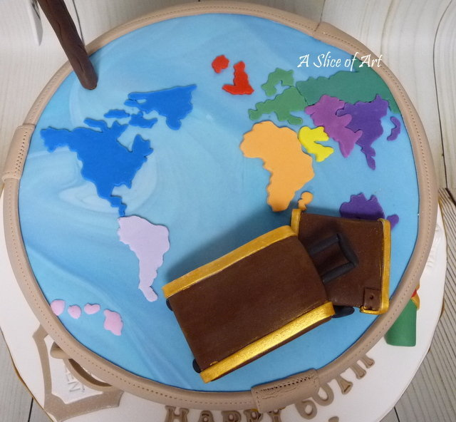 worldmap luggage cake