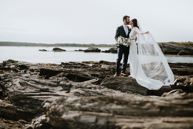 cape-elizabeth-portland-maine-backyard-lighthouse-wedding-61